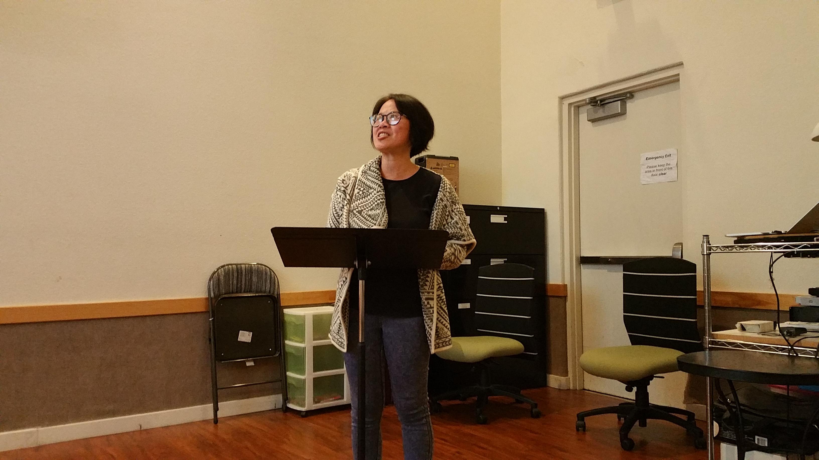 Anita在12日周三祷告会分享《祷告是宣教》,以及她带领的丰收教会的拓展情况!